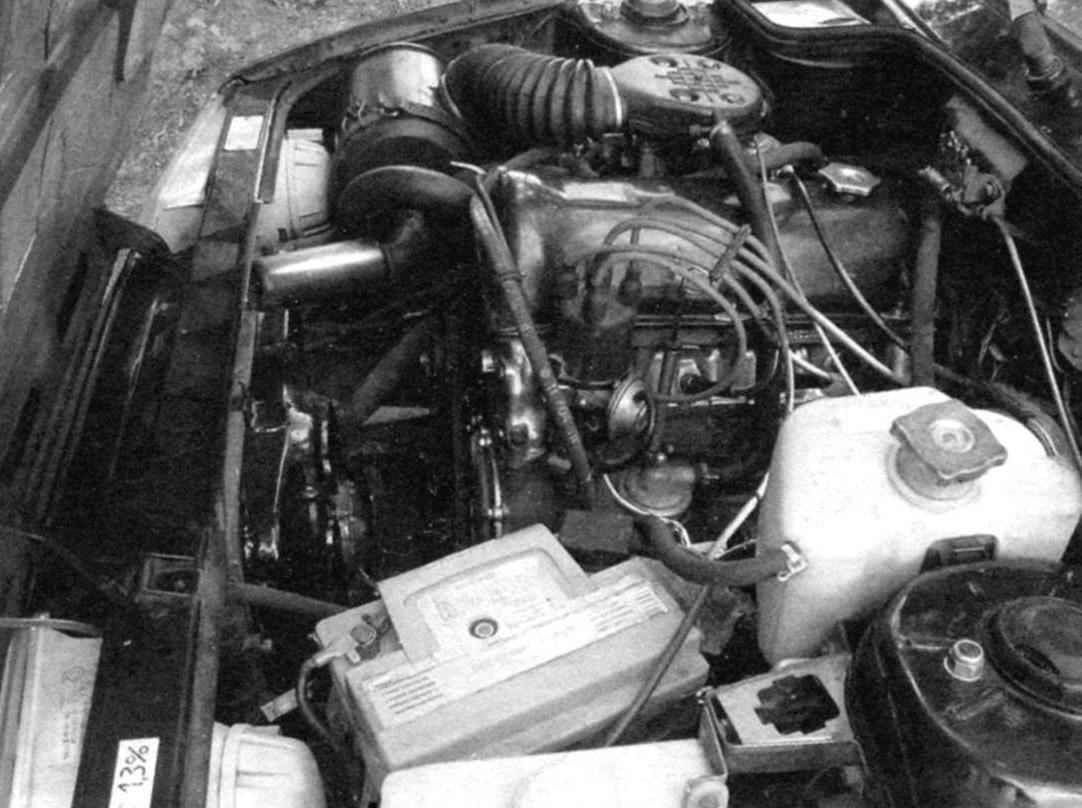 Расположение механизмов и агрегатов в подкапотном пространстве автомобиля ИЖ-21261