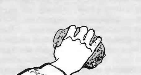 Рис. 3. Зашпаклёванные места стен шлифуются шкуркой или проволочной путаницей
