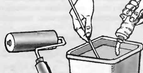 Рис. 5. Для шпаклёвки стен используются готовые строительные смеси, которые можно наносить валиком