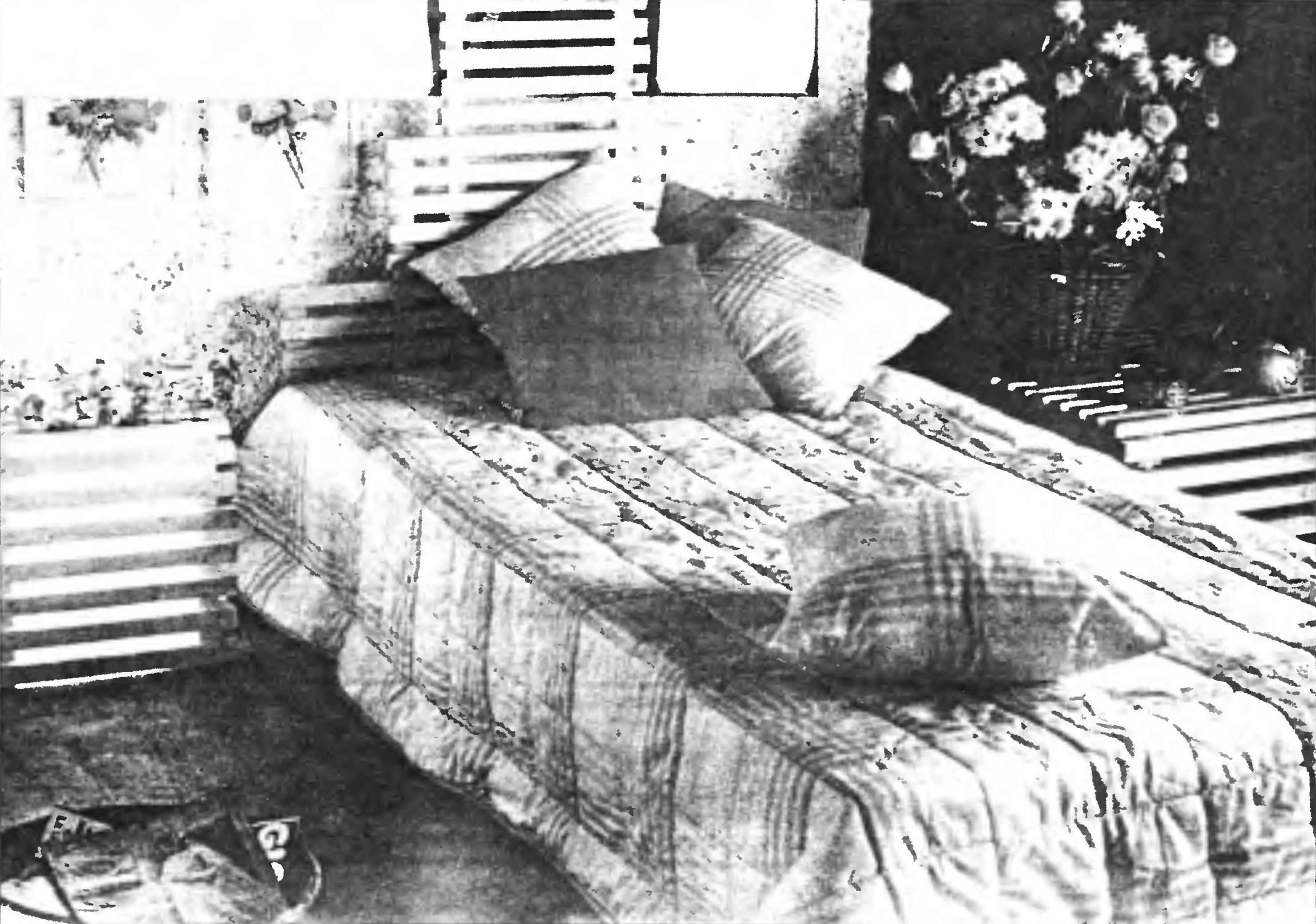 Дачна кровать