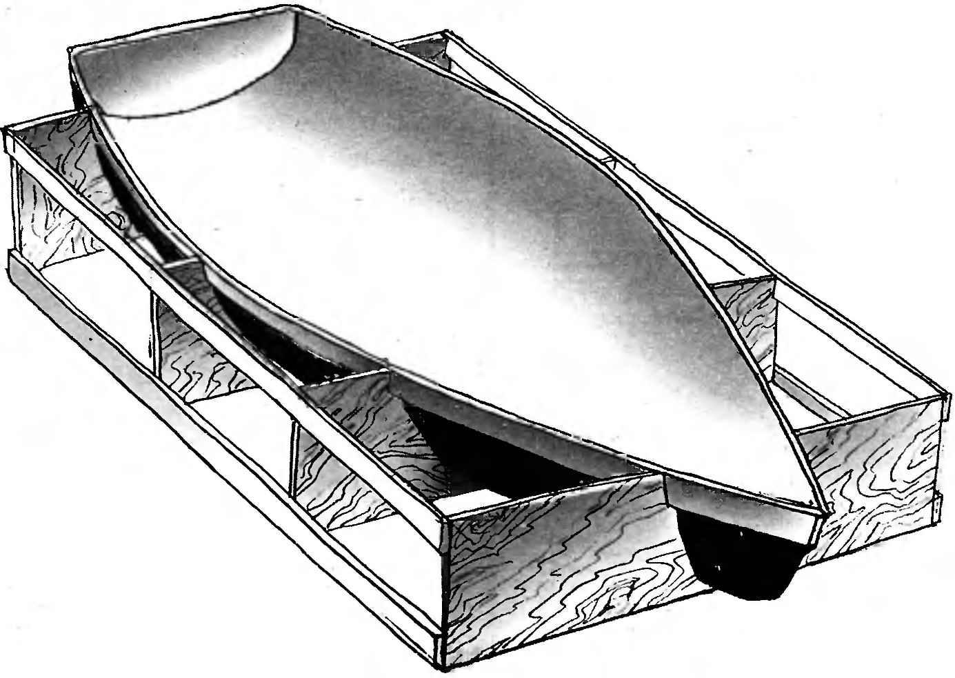 Рис. 2. Матрица для формования стеклопластикового корпуса