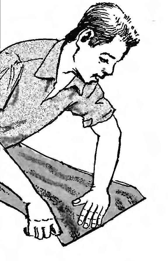 Линолеум может укладываться как отдельными полосами с проклейкой на стыках, так и сплошным ковром
