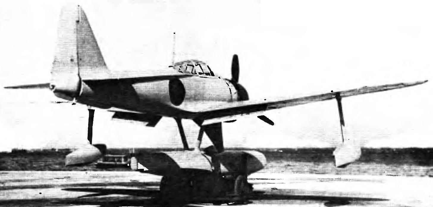 A6M2-N перед спуском на воду