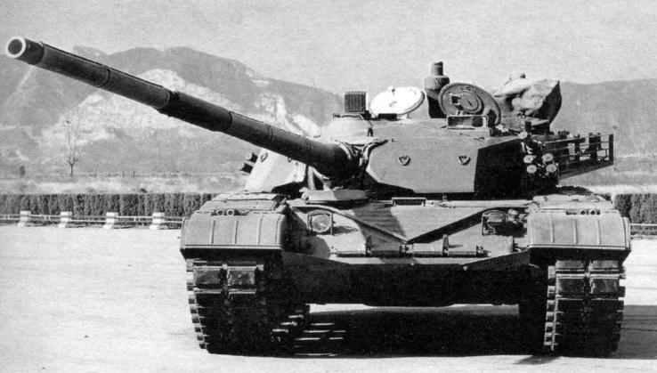 Китайский основной боевой танк «Тип 98» при виде спереди