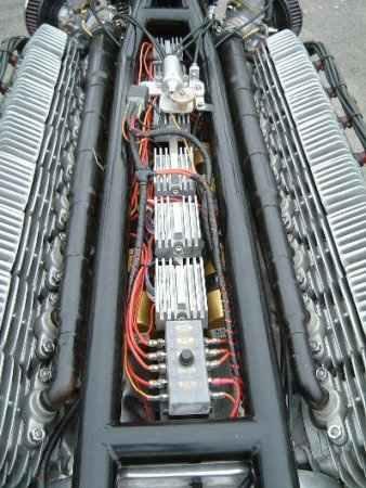 Монстрообразный 48-цилиндровый двигатель