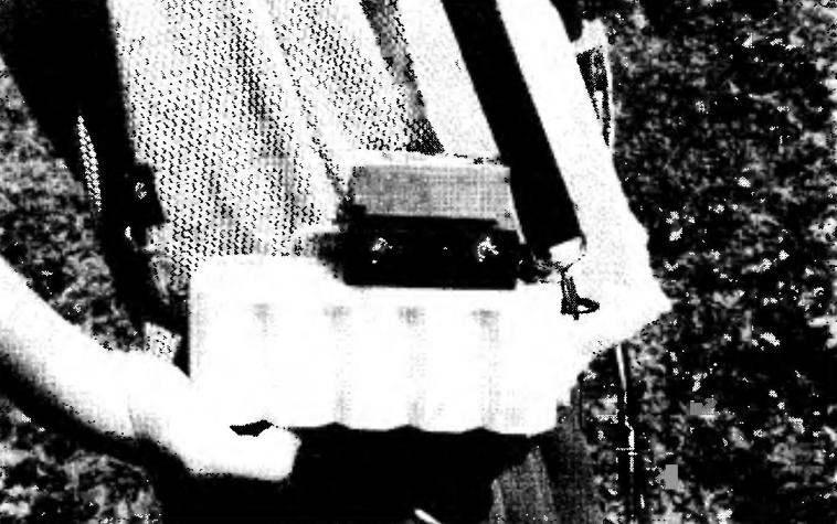 Щелочной аккумулятор 10НКГЦ-3,5-1 с самодельным блоком электронного регулятора в качестве источника электропитания напряжением до 12 В, ток нагрузки до 0,4 А