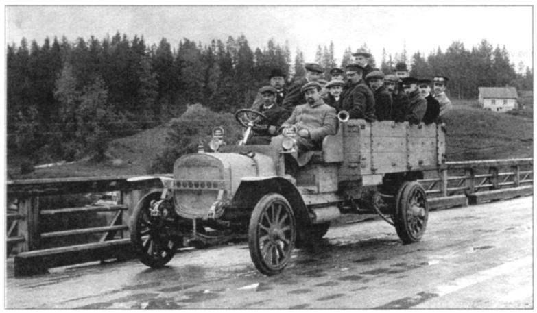 «Руссо-Балт» 10-24 - один из первых грузовых автомобилей выпуска РБВЗ
