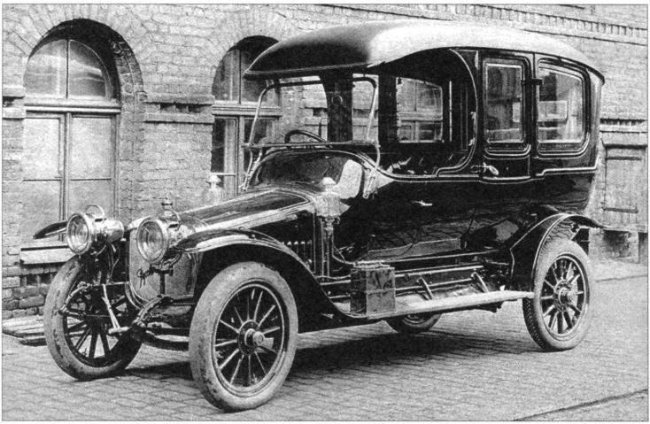 Автомобиль «Руссо-Балт» С24-40 с кузовом типа «лимузин»