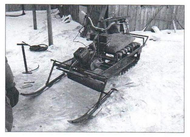 Снегоход в стадии постройки и промежуточных испытаний