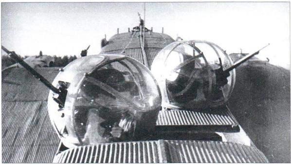 Турельные установки УТК-1 с пулемётом УБТ калибра 12,7 мм монтировались в годы войны лишь на отдельных экземплярах ТБ-3
