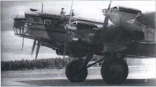 ТБ-ЗРН с двигателями АМ-34РН и антенной радиополукомпаса, размешенной в обтекателе над кабиной штурмана