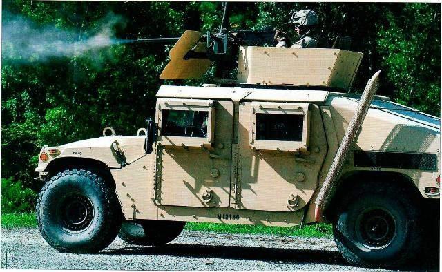 «Хаммер» М1025А1 с 7,62-м м пулемётом на огневой позиции