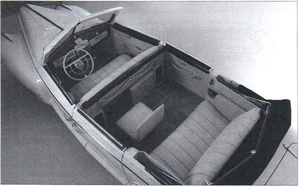 Салон парадного автомобиля-фаэтона ЗиС-110Б