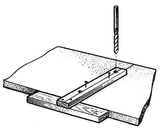 Кондуктор для сверления отверстий диаметром 6 мм в боковых панелях, полках и поперечинах