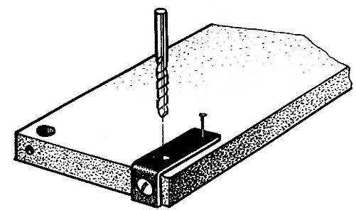 Кондуктор для сверления отверстий диаметром 9,5 мм в полках и поперечинах