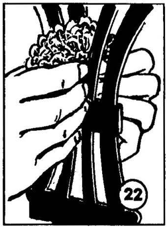 Рис.22. Удобна абразивная «ветошь» и при обработке сквозных прорезных деталей: благодаря своей мягкости она облегает, словно обволакивая, профиль со всех сторон