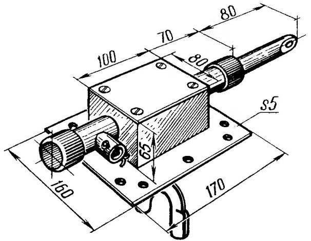 Общий вид привода муфты реверс-редуктора