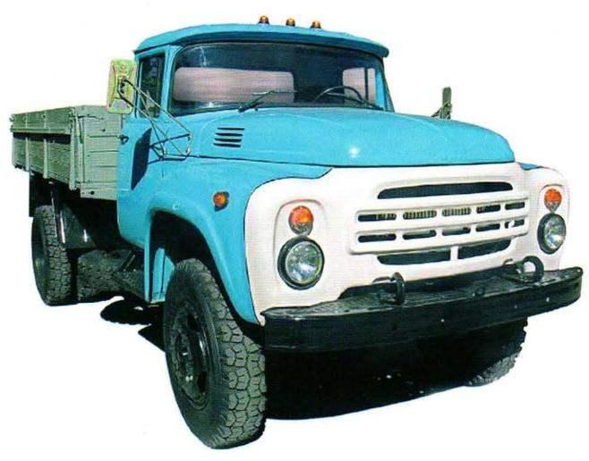 Грузовой автомобиль ЗИЛ-130 выпуска 1964 года