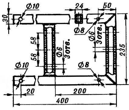 Подмоторная рама (сварена из прямоугольных труб сечением 30x24x2,5; уши крепления двигателя и раскосов привариваются по месту).