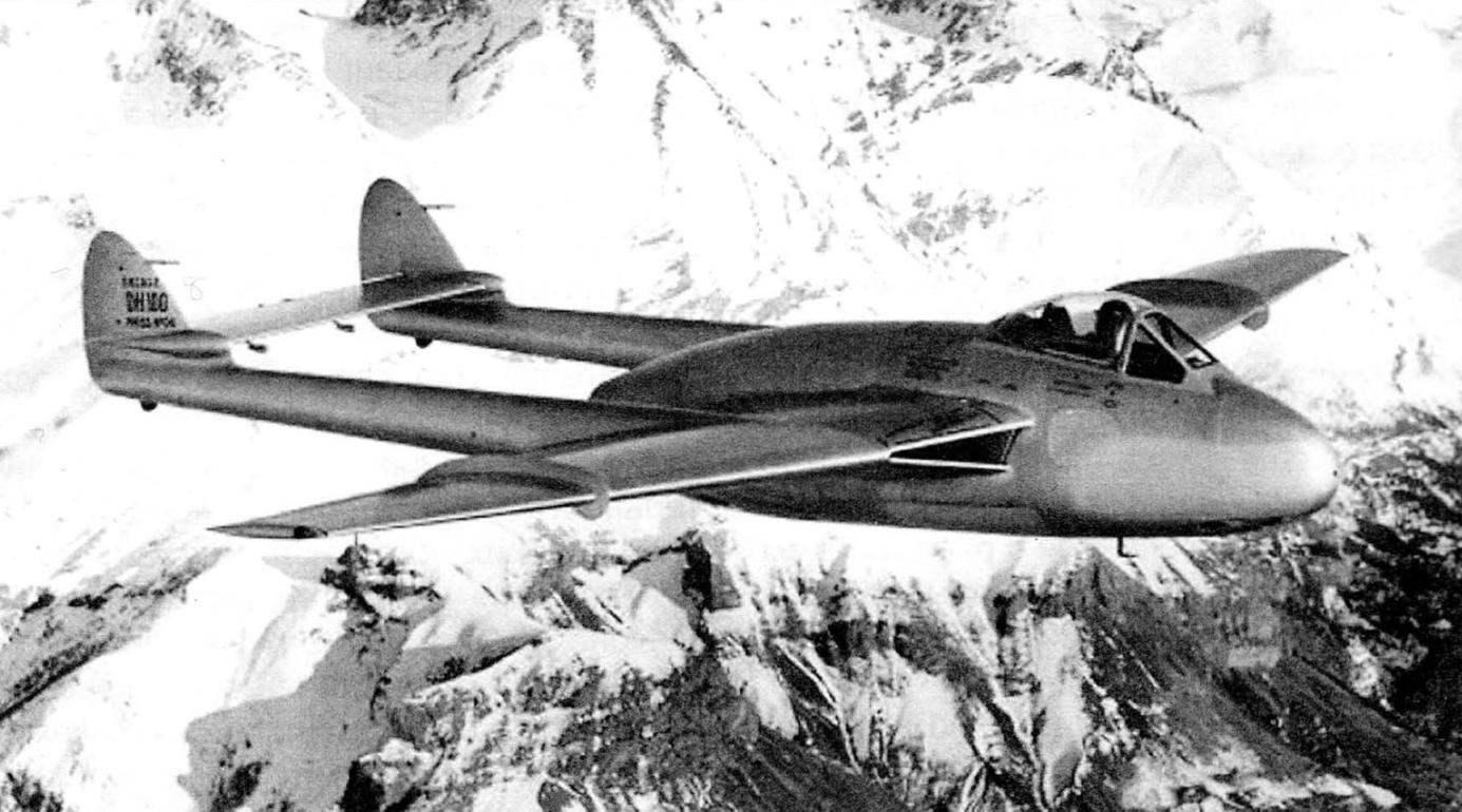 SЕ.535 «Мистраль» французских ВВС. Хорошо видны более широкие воздухозаборники и аэродинамические гребни на крыле