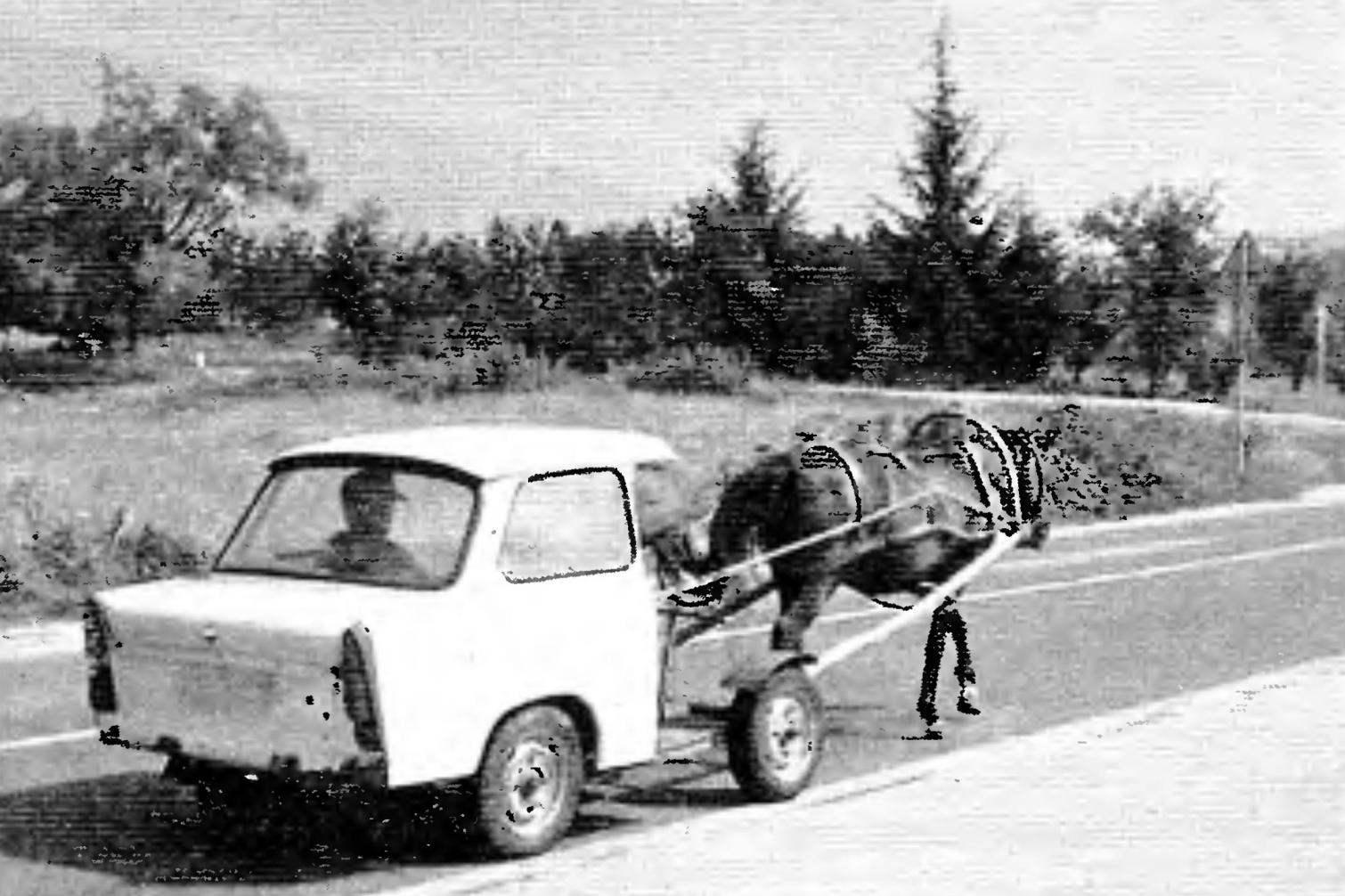 Устойчивость дуропластового кузова к коррозии позволяла долгие годы использовать его и в безмоторном «переднеприводном» варианте