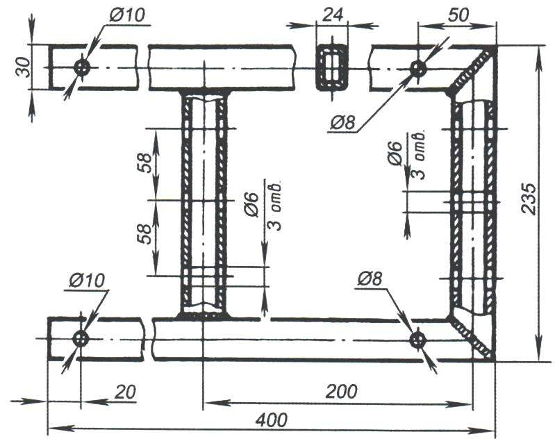 Рис. 5. Подмоторная рама из стальных труб прямоугольного сечения 30x24x2,5; ушки крепления двигателя и радиатора системы охлаждения приварены по месту