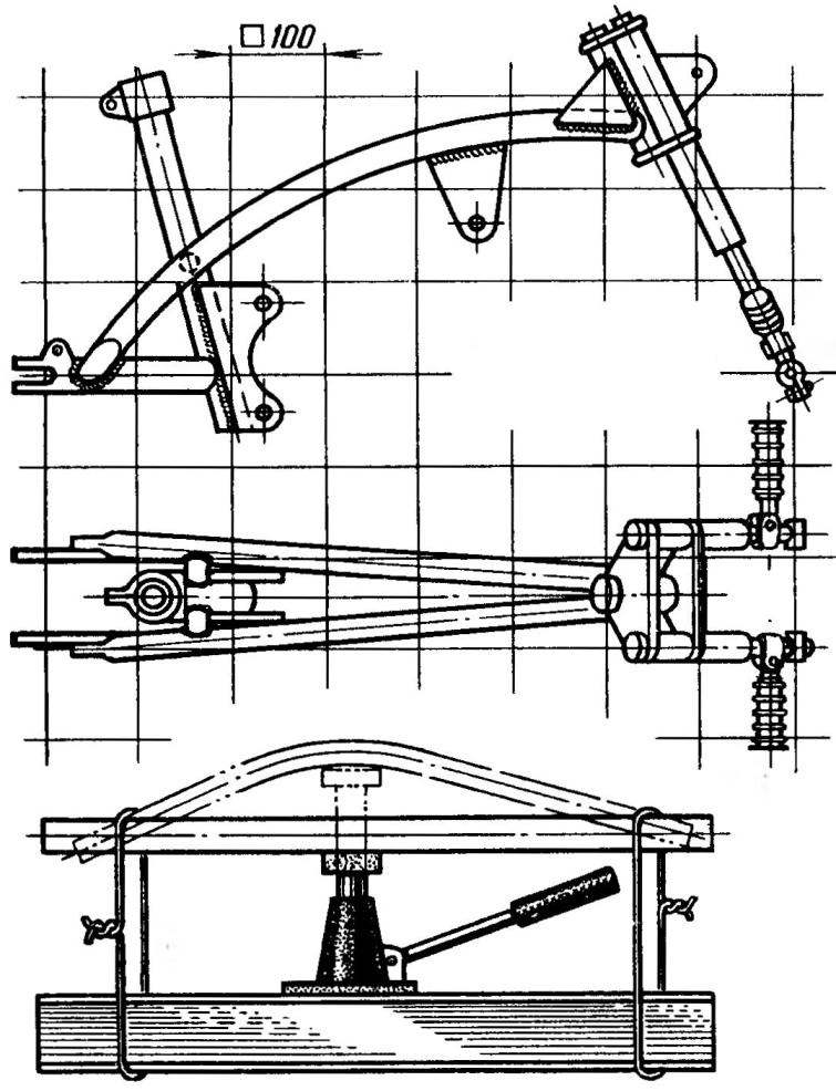 Рама мокика с передней вилкой. Приспособление для гибки дуги рамы