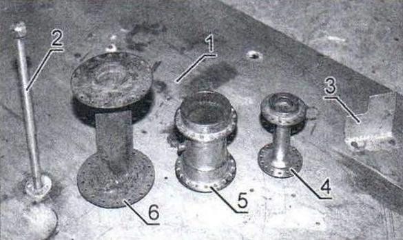 Приспособление для правки ободьев колёс и втулки