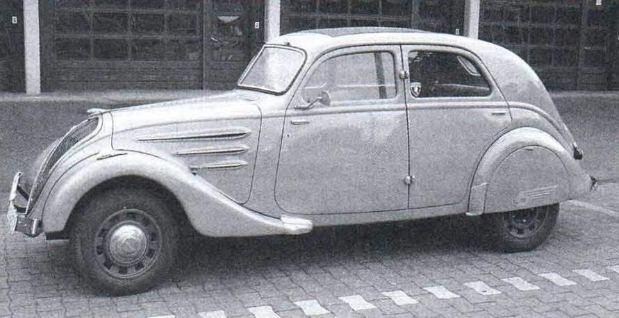 1930-е годы оказались «урожайными» на автомобили с «аэродинамическими» кузовами. Более всего преуспели в этом европейские автостроители. Так, фирма Peugeot выпустила весьма популярный у покупателей Peugeot 402, а фирма Tatra - обтекаемые Tatra-77 и Tatra-87