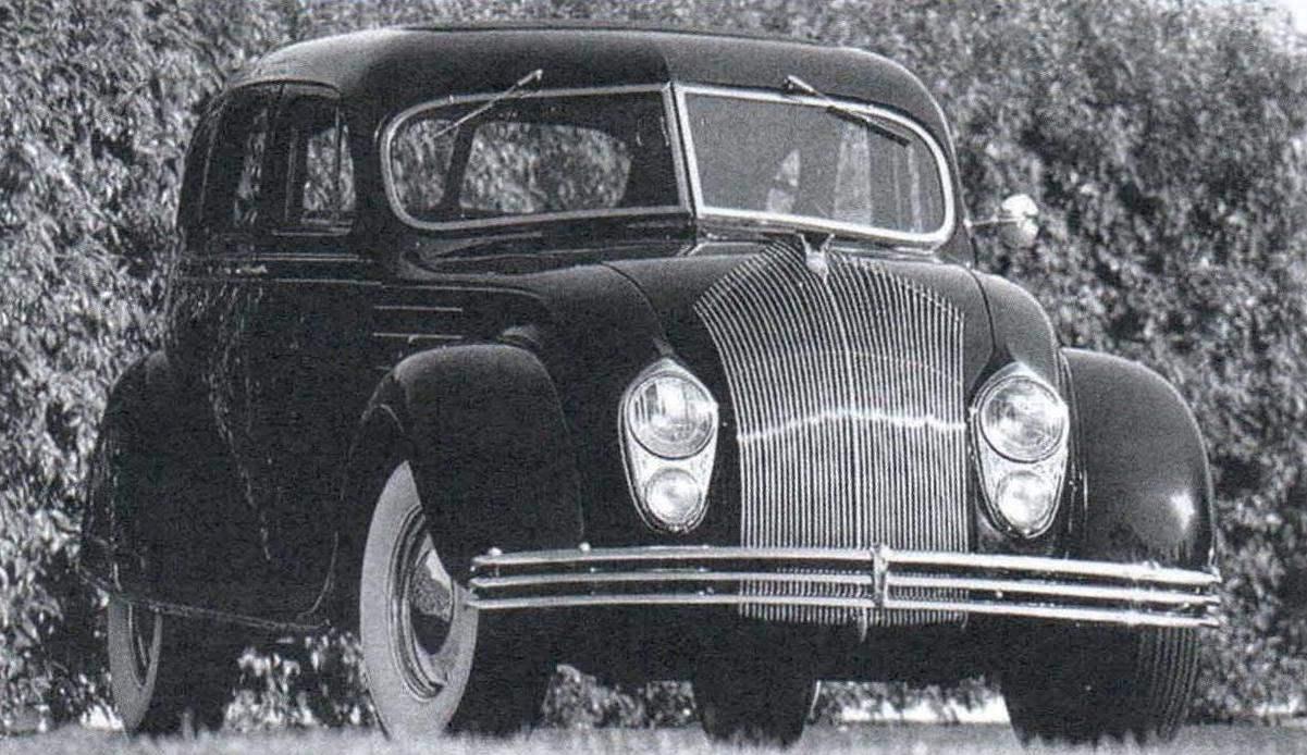 Автомобиль Chrysler Airflow