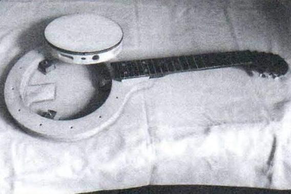 Сборка конструктивных элементов банджо - установка бубна в корпус