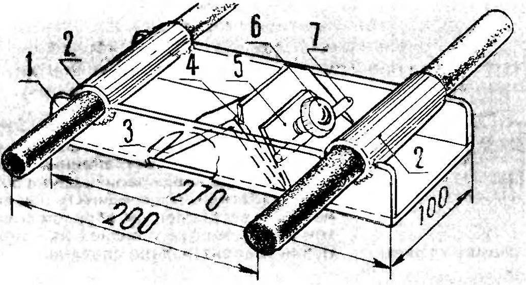 Р и с. 1. Цельнометаллическая конструкция двуручного рубанка