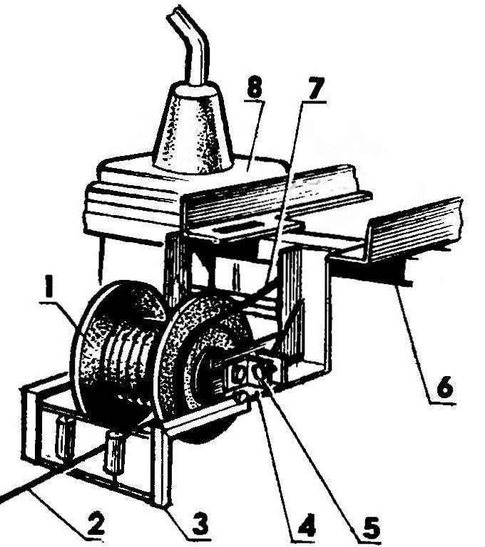 Лебедка (двигатель условно не показан)