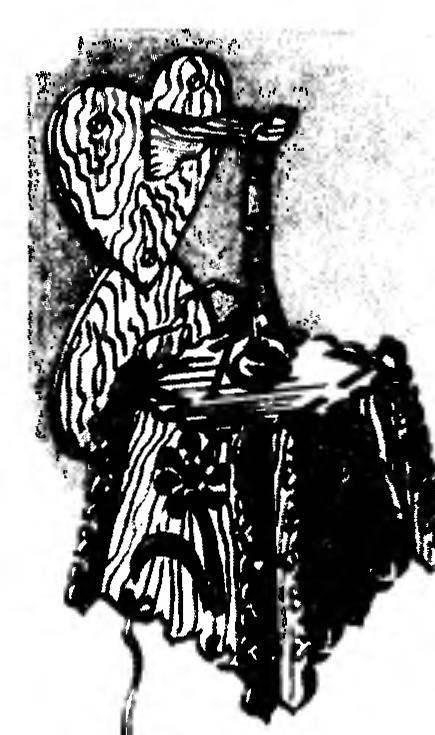 Деревянный светильник-бра