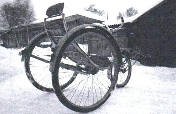 Веломобиль - идеальное транспортное средство для прогулок по дорожкам парков и аллей