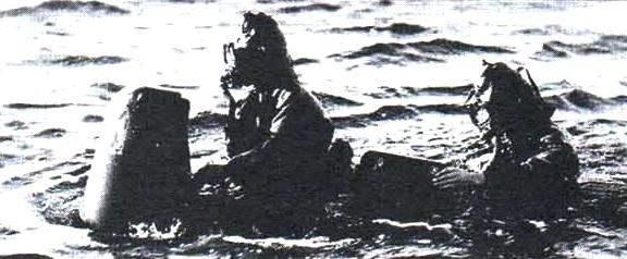 Итальянские боевые пловцы на Maiale SLC (Siluro a Lenta Corsa - «медленная торпеда»)
