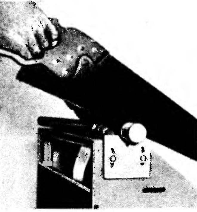 Обработка круглого стержня в выдвижном упоре (который по пазам регулируется по высоте)