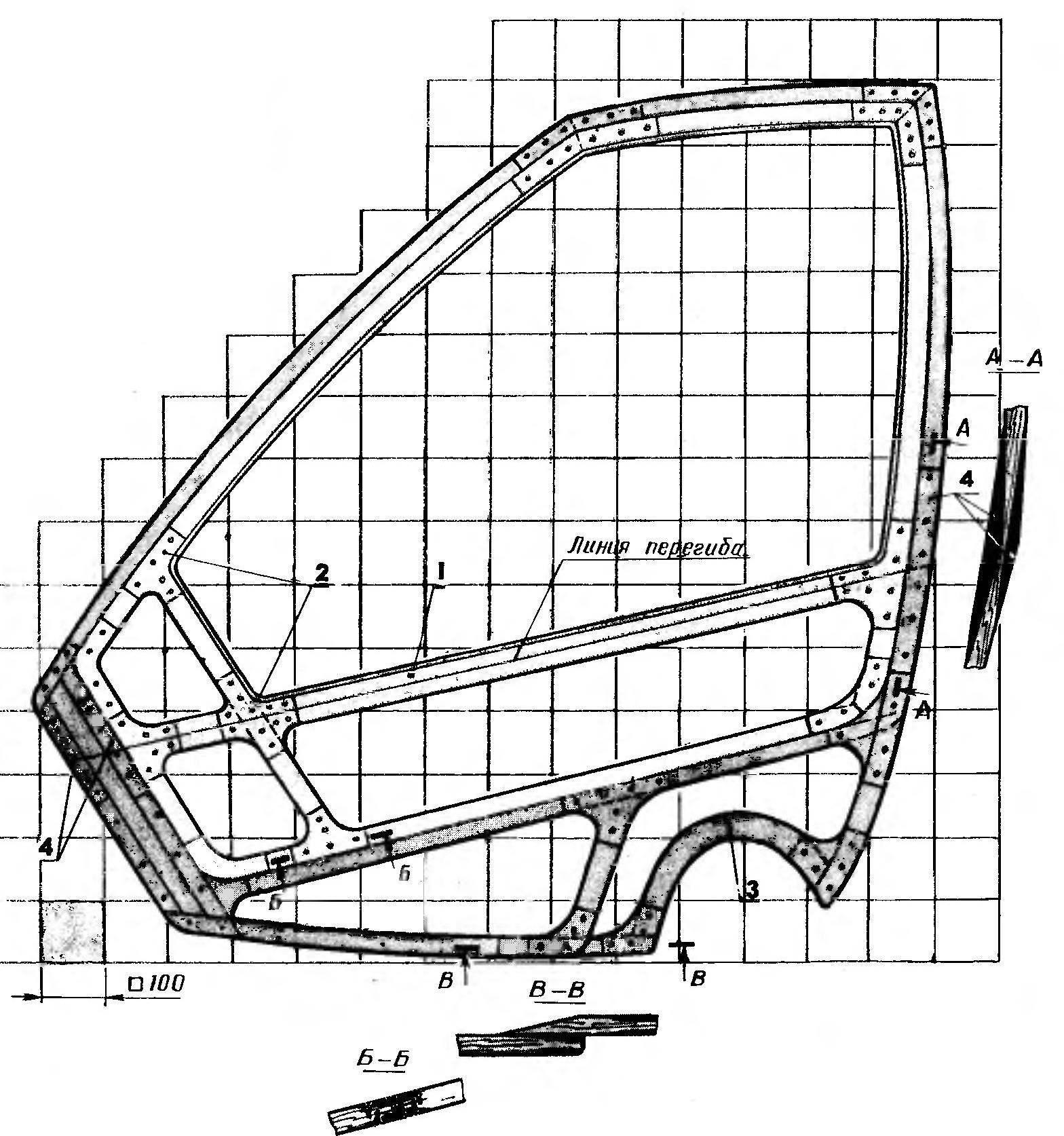 Боковая панель кузова. На рисунке показана правая панель, вид изнутри. Цветом выделен каркас двери. Для левой панели дверь не предусматривается.