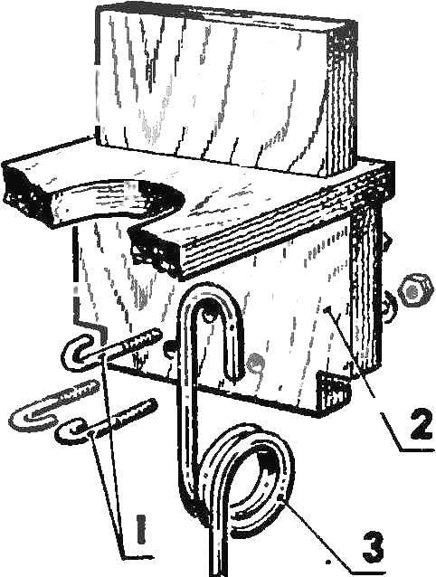 Передняя съемная стойка шасси
