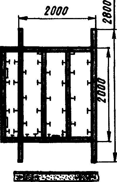 Основание «шалаша». Внизу показана типовая заделка брусьев рамы-основания в бетонную стяжку.