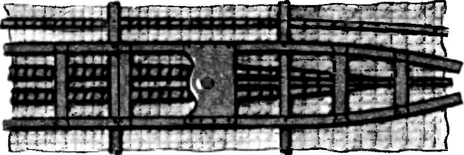 На этом рисунке показана обшивка лодки-плетенки (изнутри).