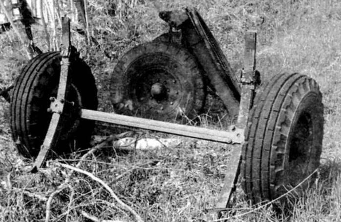 Задний мост тракторной тележки с рессорами подвески («донор» прицепа)