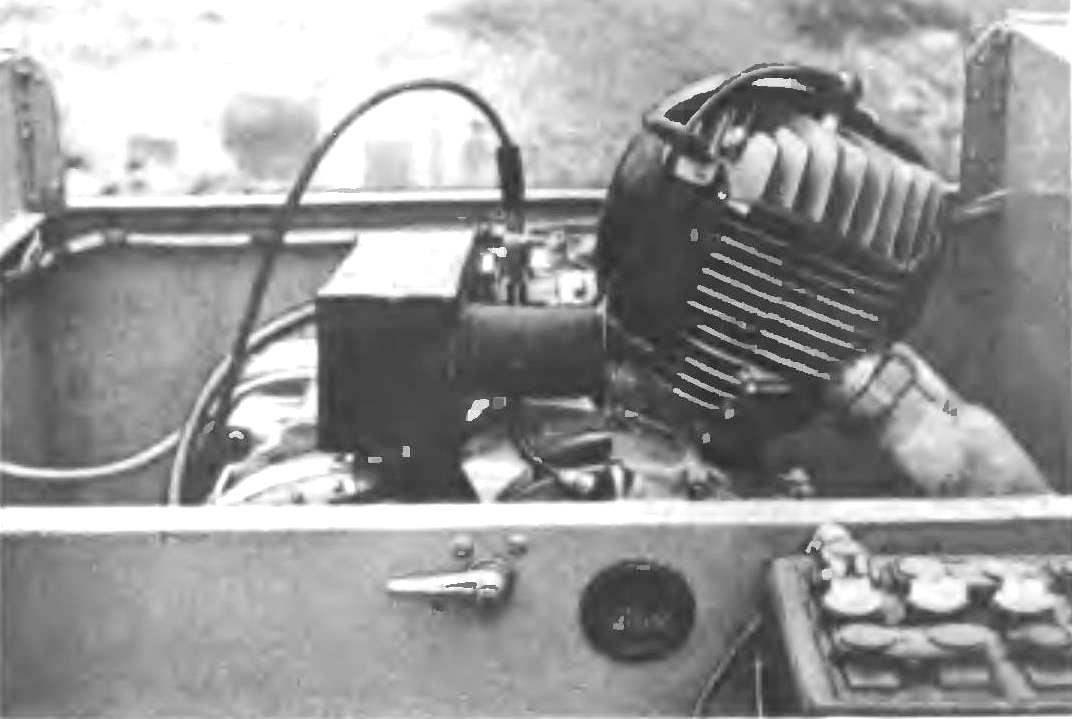 Расположение двигателя.
