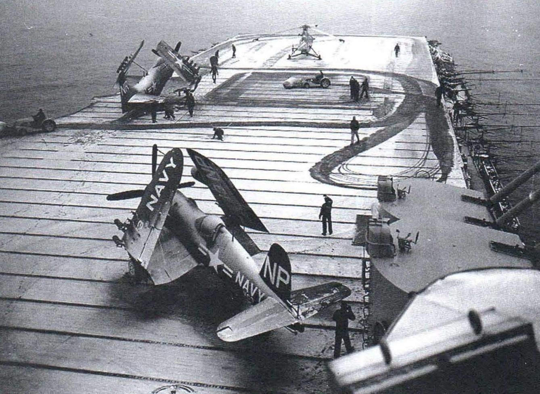 F4U-4B на палубе авианосца CV-45 Valley Forge. Зима 1951 года