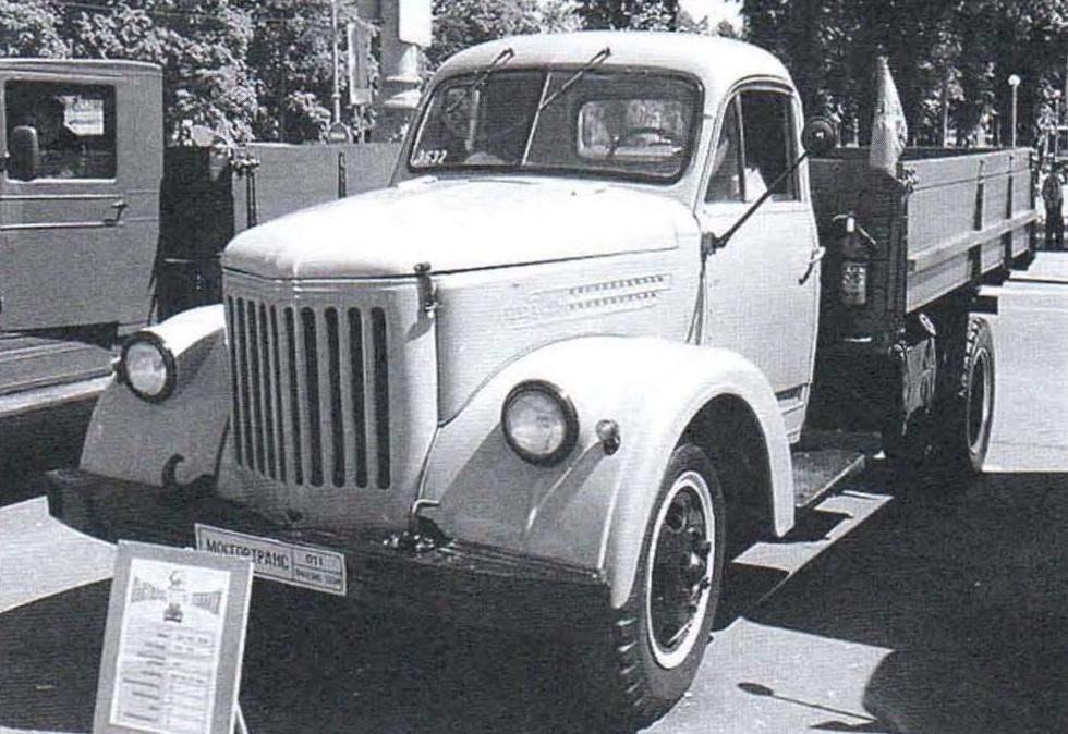 Грузовик «УралЗИС-355М»