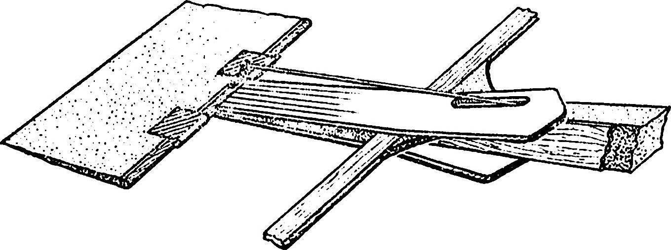 Конструкция хвостовой части модели воздушного боя.