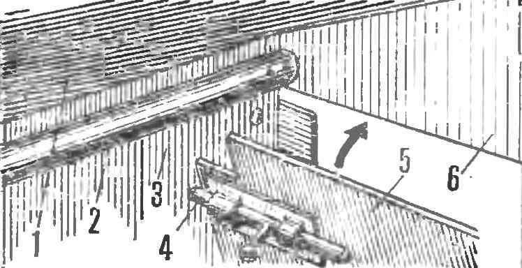 Рис. 4. Крепление торцевых стенок фургона