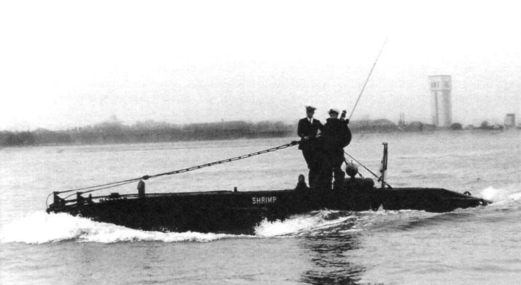 После войны четыре лодки класса X под личными именами Shrimp, Stickleback, Minnow и Sprat («Креветка», «Колюшка», «Пескарь» и «Килька») служили в британском флоте до начала 1950-х годов