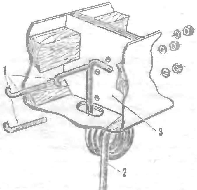 Р и с. 6. Крепление чосовой стойки шасси