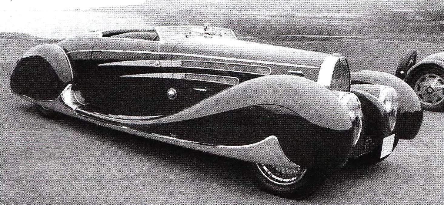 Такой внешний вид приобрёл гоночный автомобиль Bugatti Туре 35 после работы над ним в кузовном ателье